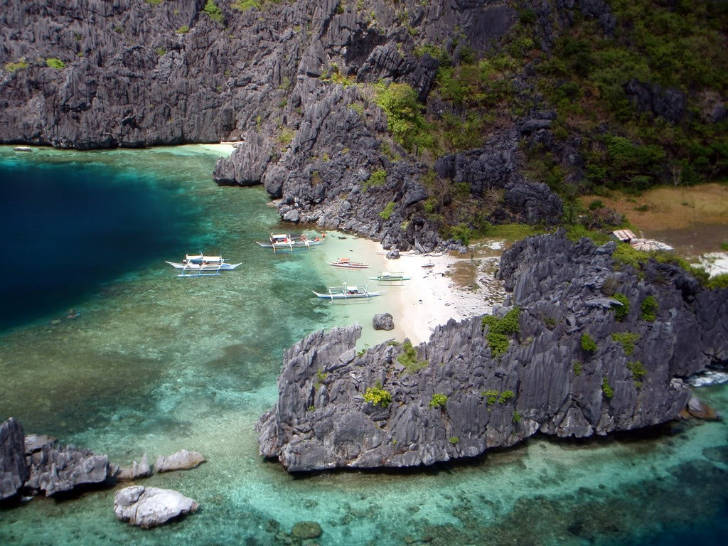 http://oceanislandtravel.com/pictures/TapiutanBeach.jpg