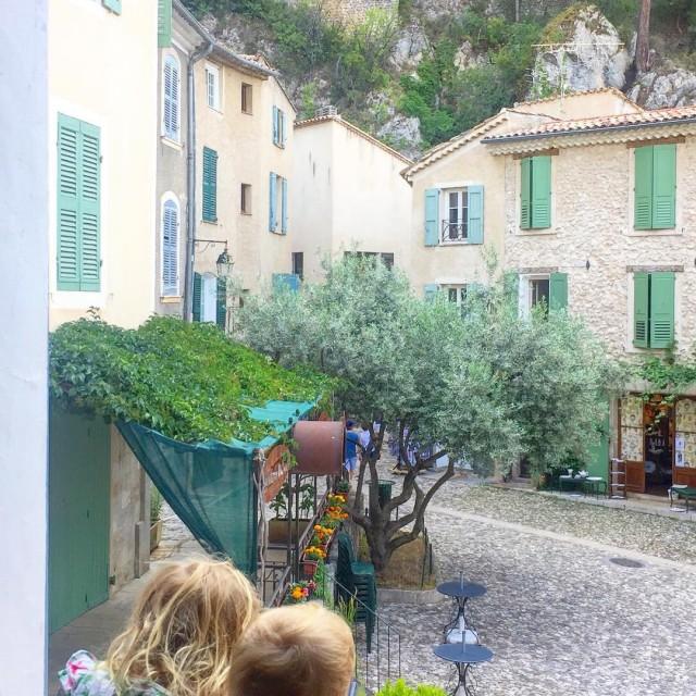 MoustiersSainteMarie  France J pensou conhecer um vilarejo classificado comohellip