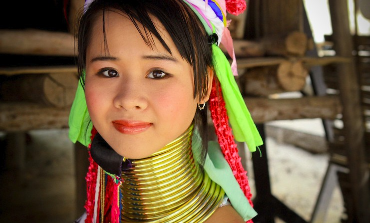 Chiang Mai Neck Women