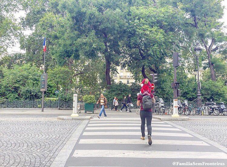 andar pelas ruas de Paris