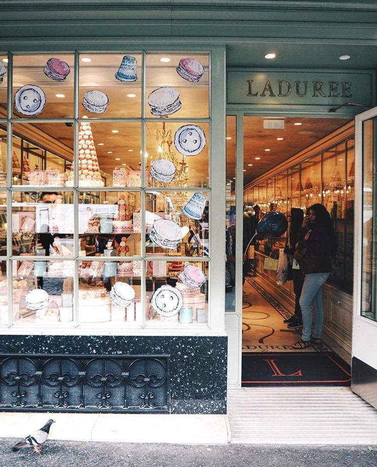 Ladurée Paris - comprar doce em Paris
