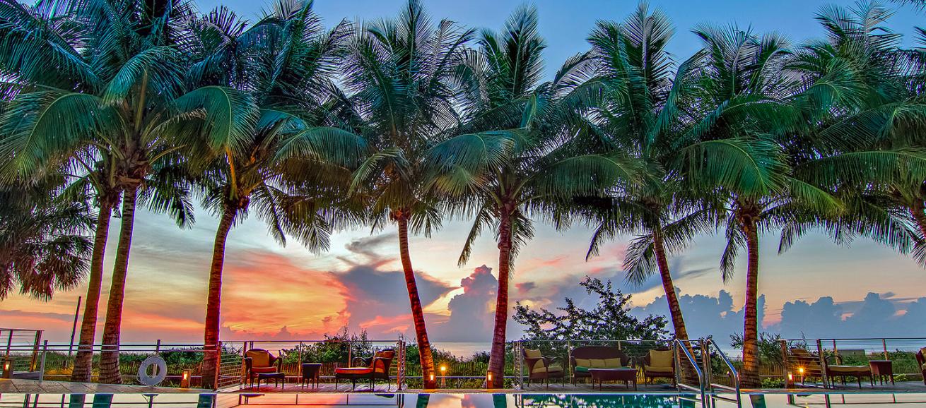 Hotel Carillon Miami