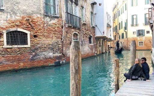Veneza, a cidade romântica entre canais e palácios na Italia