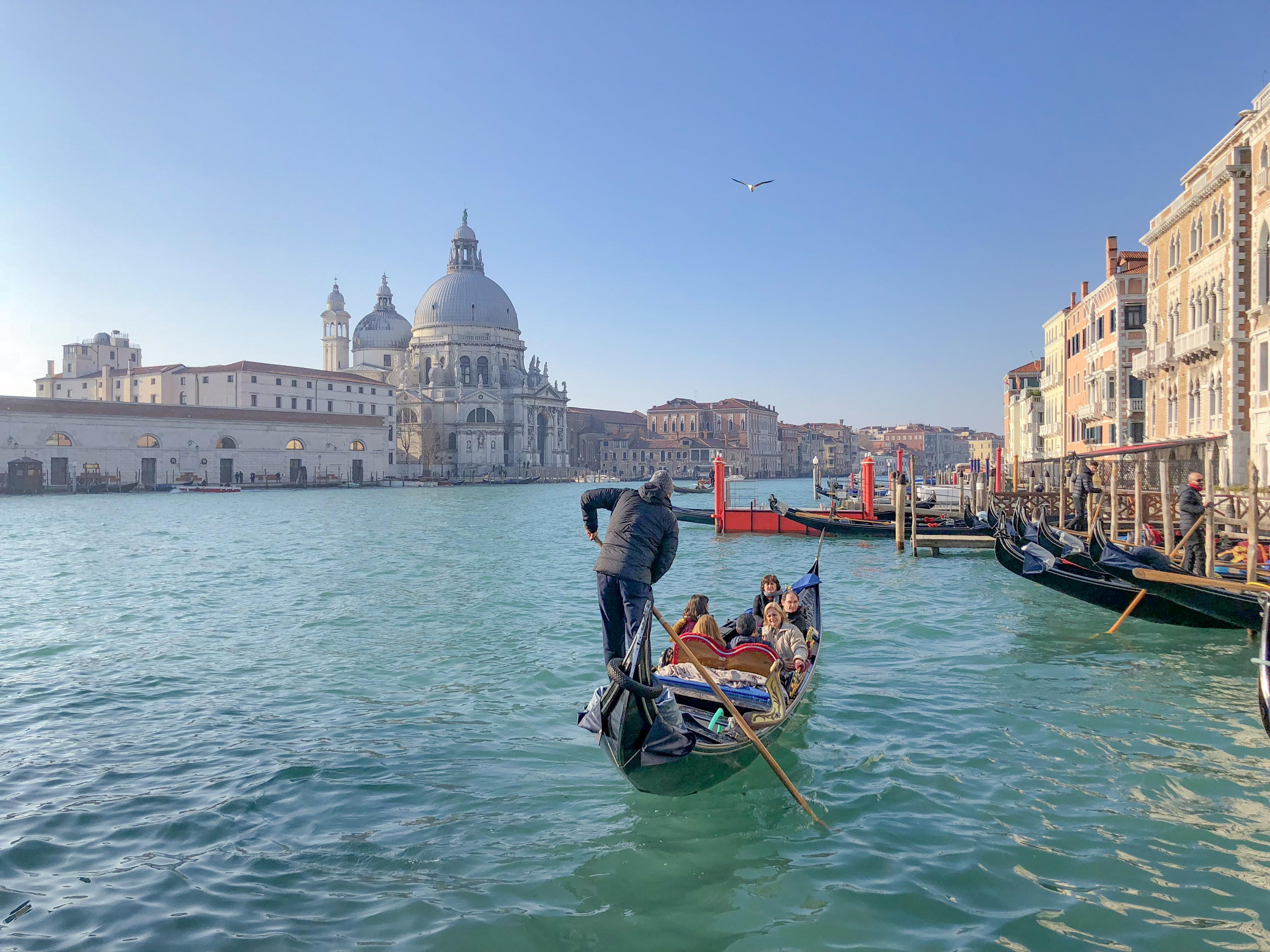passeio de gondola em Venezia
