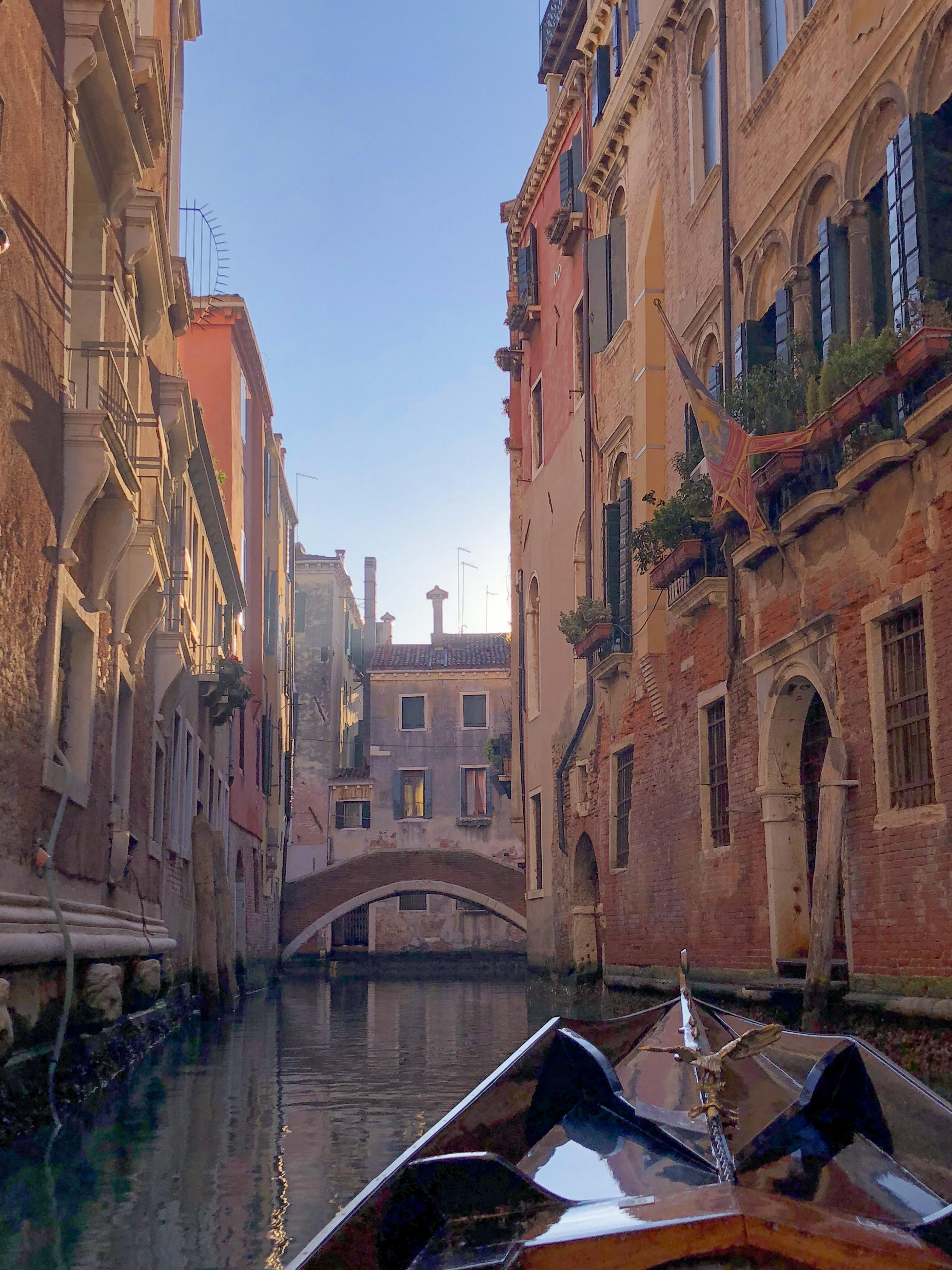 Passeio de gondola em Veneza