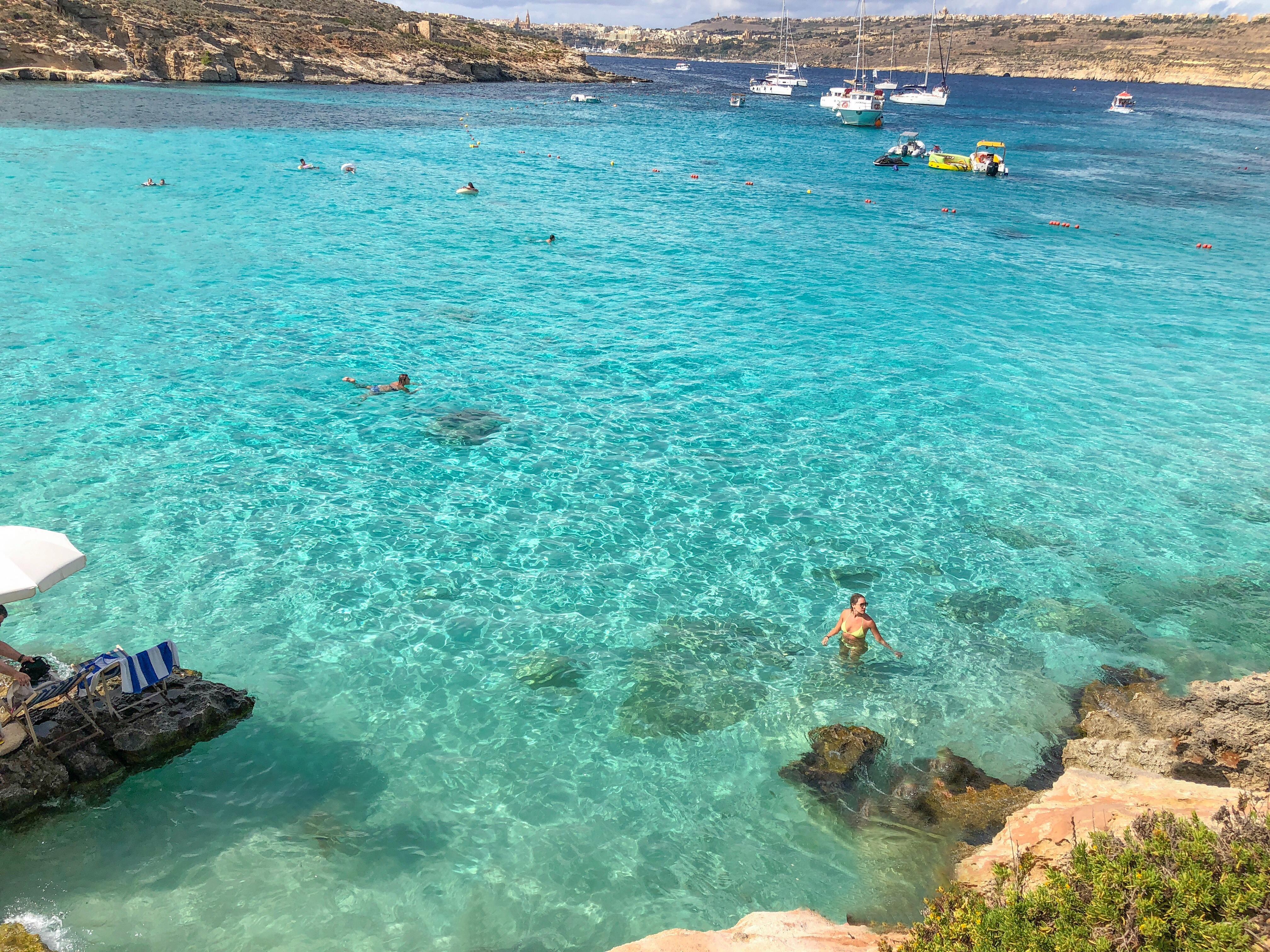 como ir na Blue Lagoon , ilha de Comino , Malta